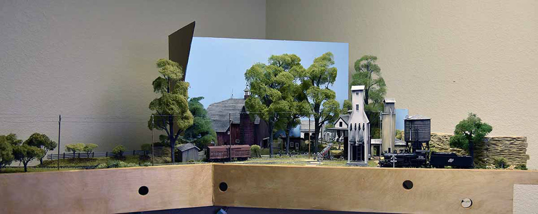 <em>Monfort Junction</em> Scenery Module by Roderic Thompson - Best in Show Award Award<br>2019 MWR & TLR Joint Convention.